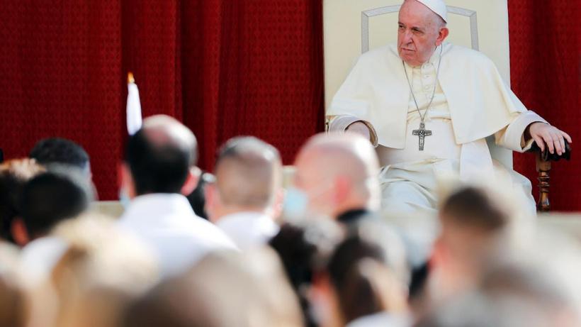 """Papa Francis'den yemek ve sekse övgü: """"Doğrudan tanrıdan gelen ilahi zevkler"""""""