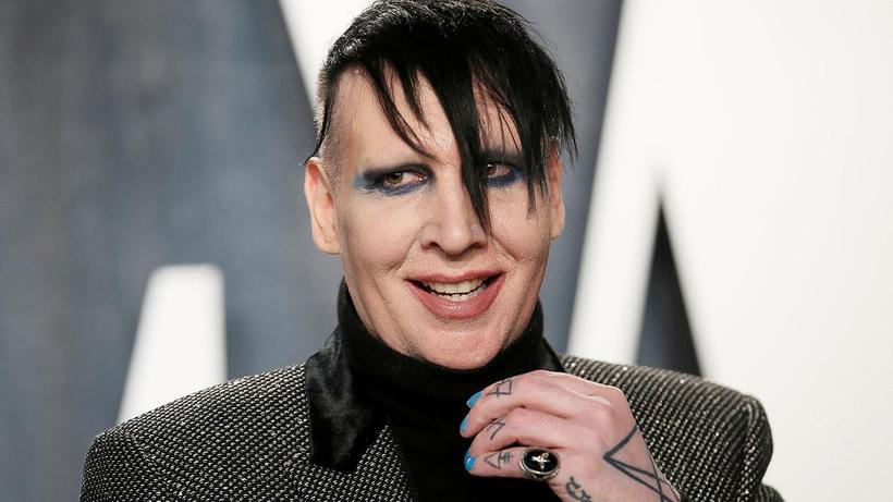 Cinsel saldırı suçlamaları başını yaktı: Dünyaca ünlü müzisyen Marilyn Manson'a tutuklama kararı çıkarıldı