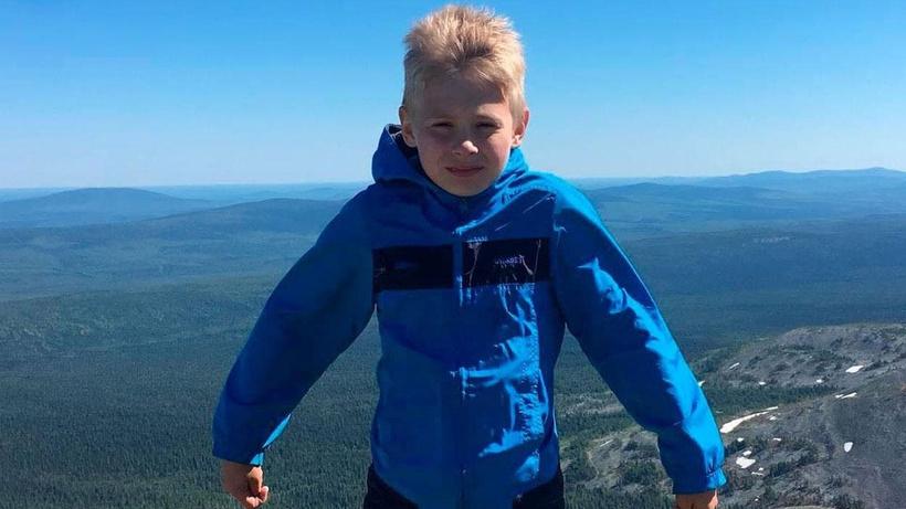 Yüzlerce kişi Rusya'da kaybolan çocuk için seferber oldu