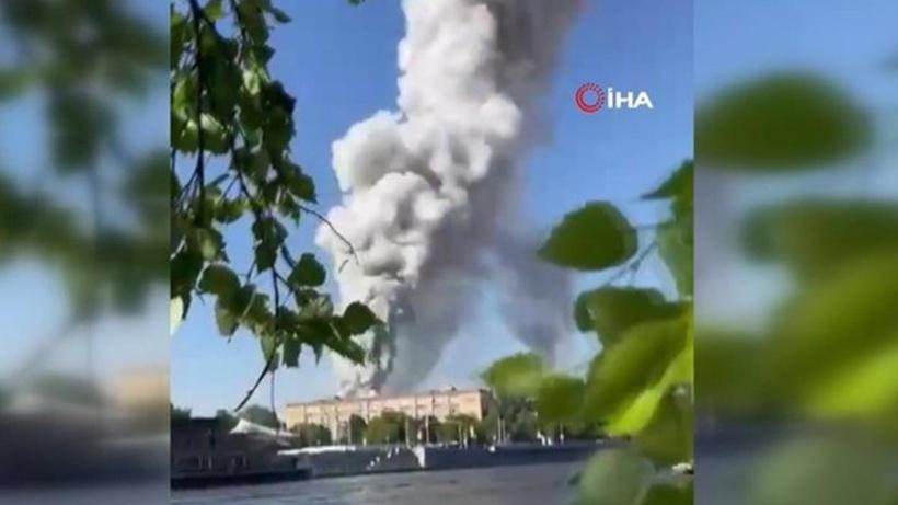 Rusya'da havai fişek deposunda yangın