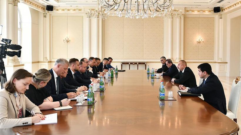 İlham Aliyev: Ermenistan barış anlaşması müzakerelerinin başlatılmasına ilişkin açıklamalarımızı görmezden geliyor