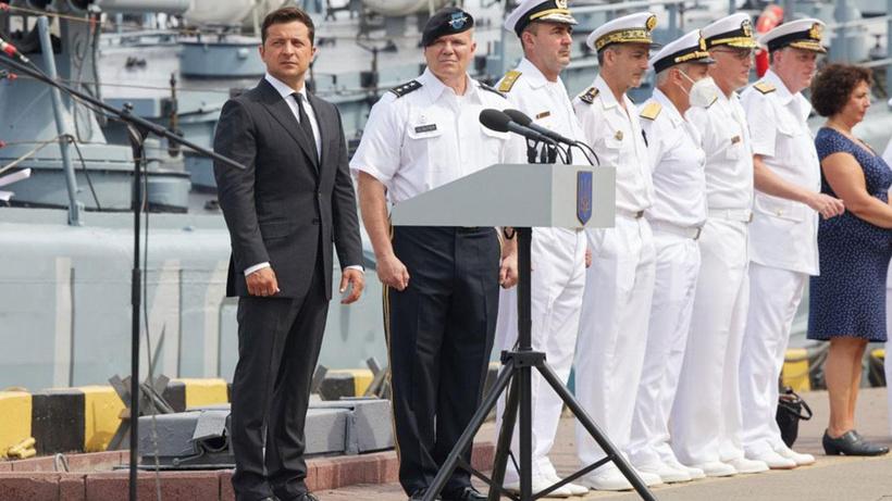 Ukrayna Devlet Başkanı Zelenskiy'den savaş gemisi mesajı: Türkiye'de başladı, Ukrayna'da tamamlanacak