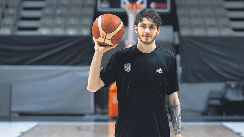 Beşiktaş ile Fenerbahçe arasında kriz... Oyuncunun menajerinden flaş iddialar