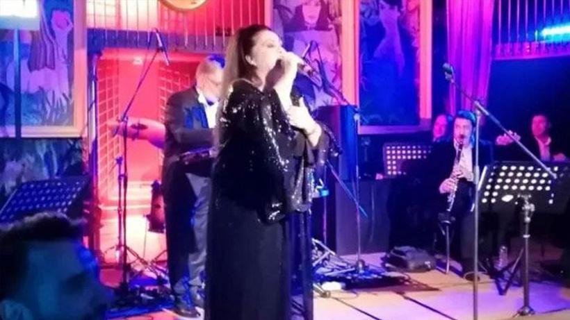 Onur Akay duyurdu! Arabesk müziğin kraliçesi sesini kaybetti