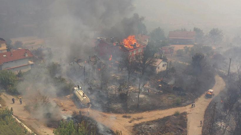 KKTC, Türkiye'ye orman yangınları için ekip gönderiyor