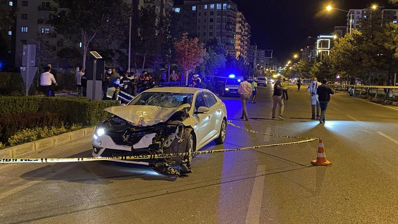 Niğde'de otomobilin çarptığı 2 kadın hayatını kaybetti