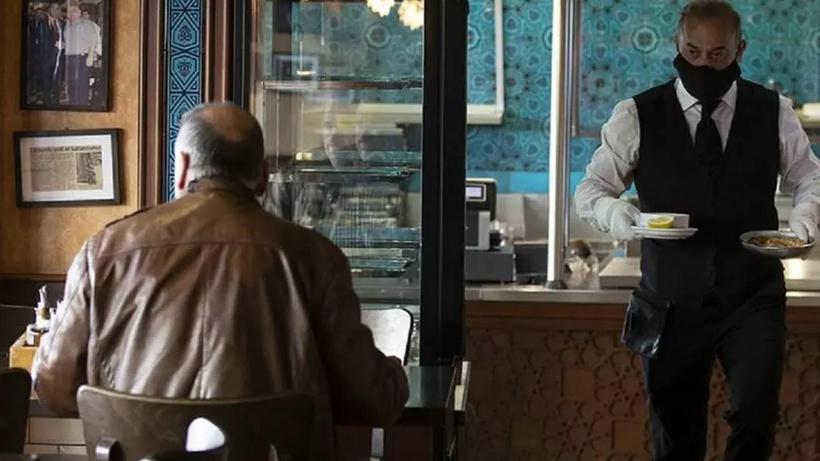 Kadıköy'deki kebapçıdan ilginç iddia: 8 bin 400 lira maaşla garson bulamıyorum