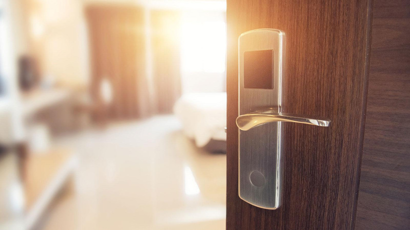Antalya'da bir kadından otel çalışanı hakkında odada taciz iddiası: Dokunarak mastürbasyon yaptı