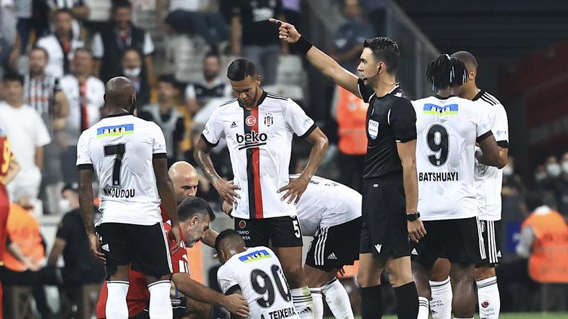 Beşiktaş'ta Alex Teixeira şoku