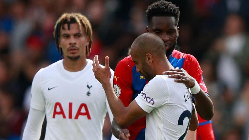Crystal Palace 10 kişi kalan Tottenham'ı ezdi geçti