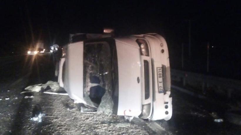 Şanlıurfa'da tarım işçilerini taşıyan minibüs devrildi: 9 yaralı