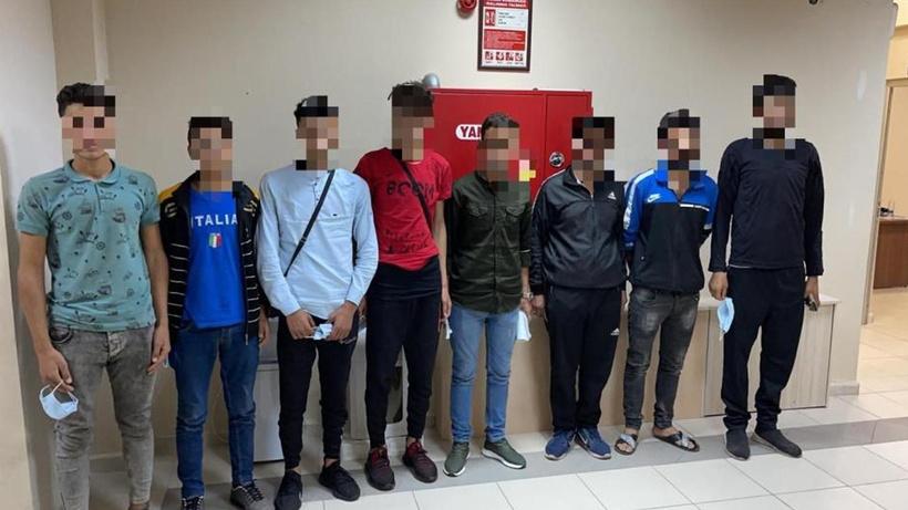 TEM Otoyolu'nda durdurulan araçtan 7 kaçak göçmen çıktı! 1 tutuklama