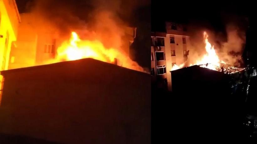 İstanbul Esenyurt'ta düğünde atılan havai fişek evin çatısını yaktı
