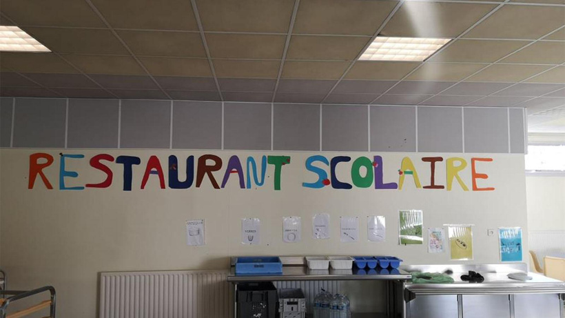 Fransa'da yemekhane ücreti ödenmeyen 7 yaşındaki çocuk zabıtayla eve gönderildi