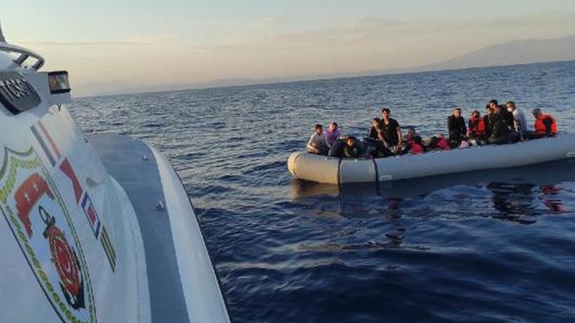 Yunanistan tarafından Türk kara sularına itilen 49 kaçak göçmen kurtarıldı