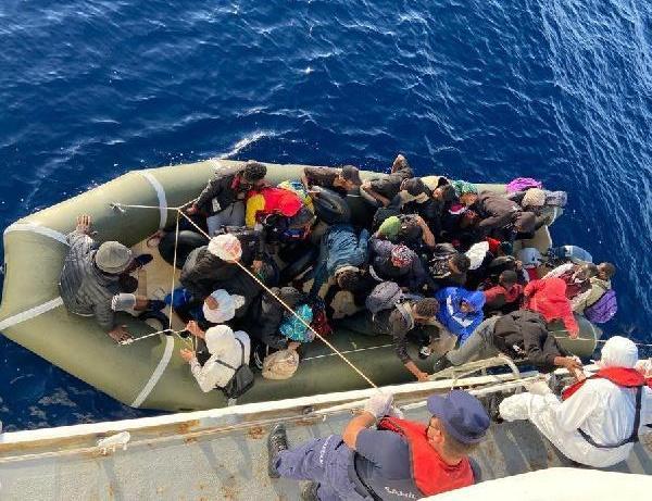Marmaris açıklarında 46 kaçak göçmen kurtarıldı