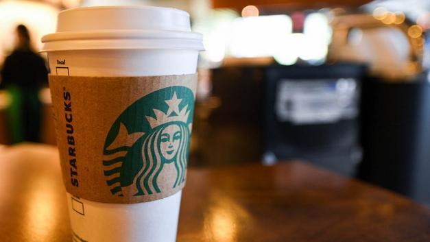 Starbucks 400 mağazasını kapatıyor! Yeni mağazaları nasıl olacak?