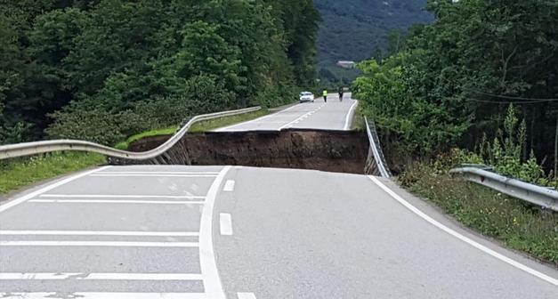 Ulaştırma Bakanlığı selden zarar gören yolları yeniliyor