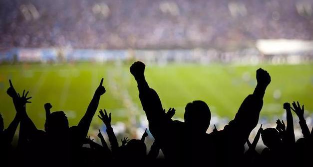 Bilim Kurulu Üyesi Kayıpmaz'dan 'seyircili maç bir risk' uyarısı