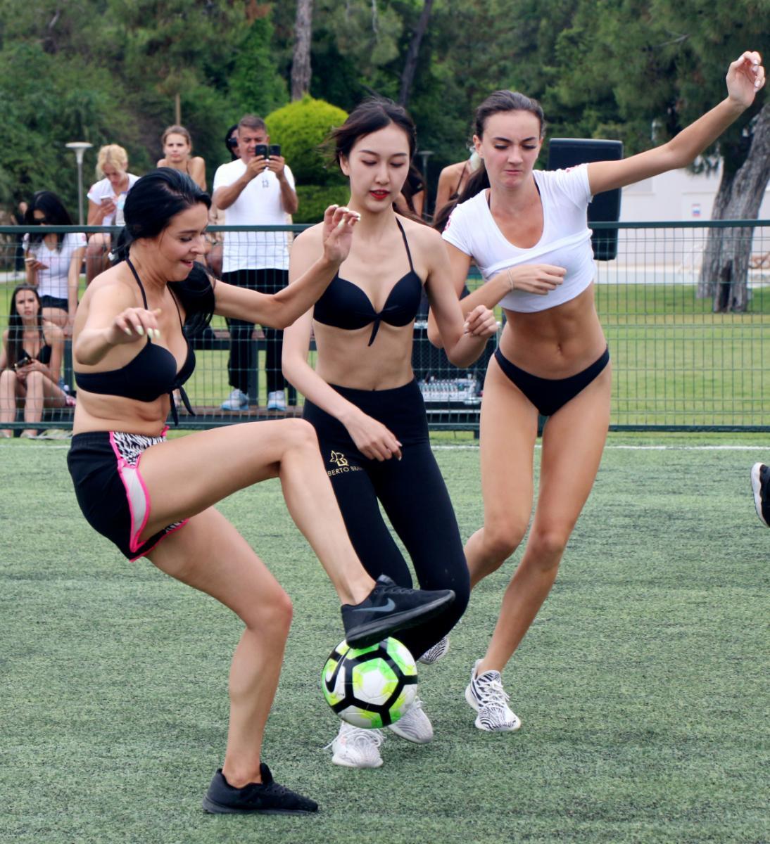 Kraliçe adayları, kürek çekti, futbol oynadı - Resim: 1