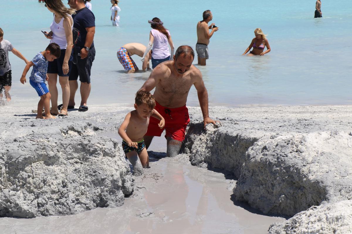 Türkiye'nin 'Maldivleri' şimdi de çamuru ile ün salmaya başladı - Resim: 1