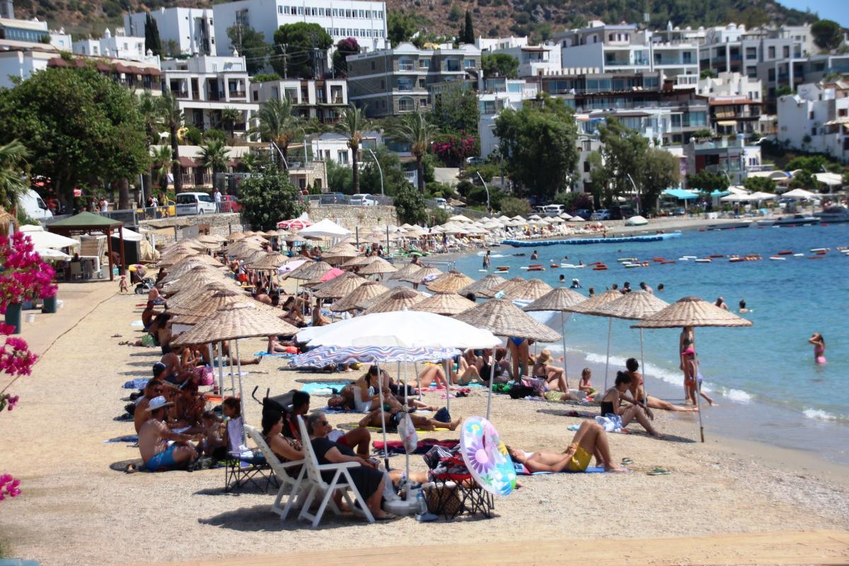 Yer Bodrum: 1,5 milyon turist geldi, adım atacak yer kalmadı - Resim: 1