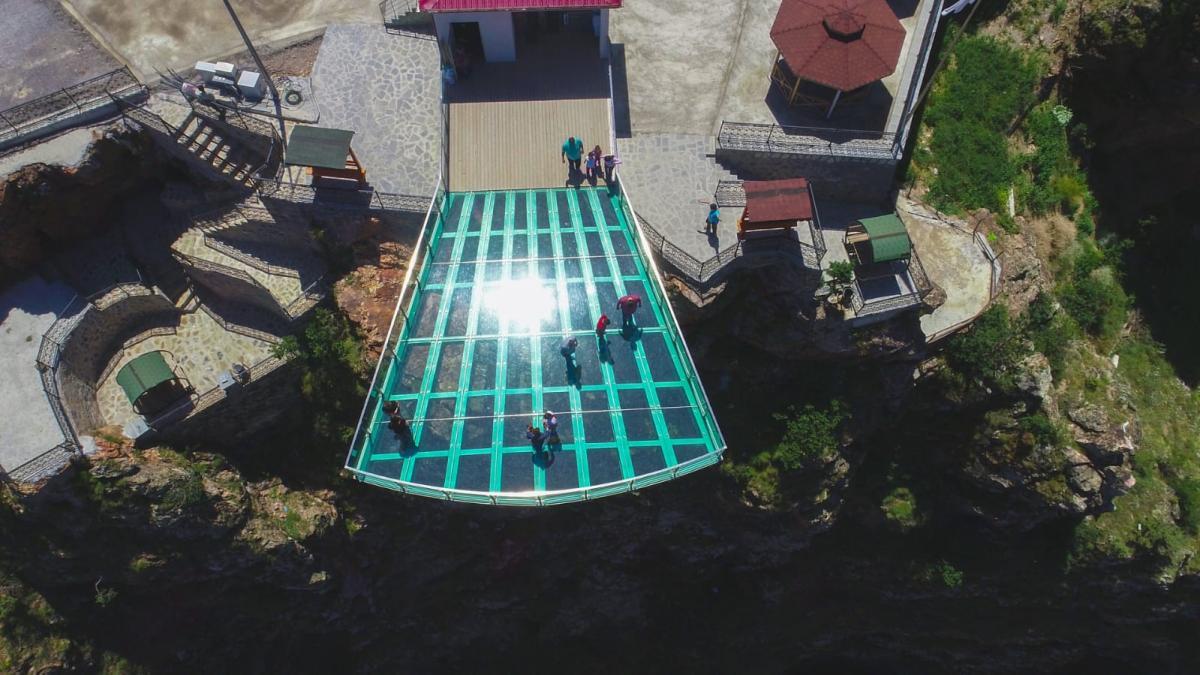 240 metrelik Torul cam seyir terası ziyaretçi akınına uğradı - Resim: 3