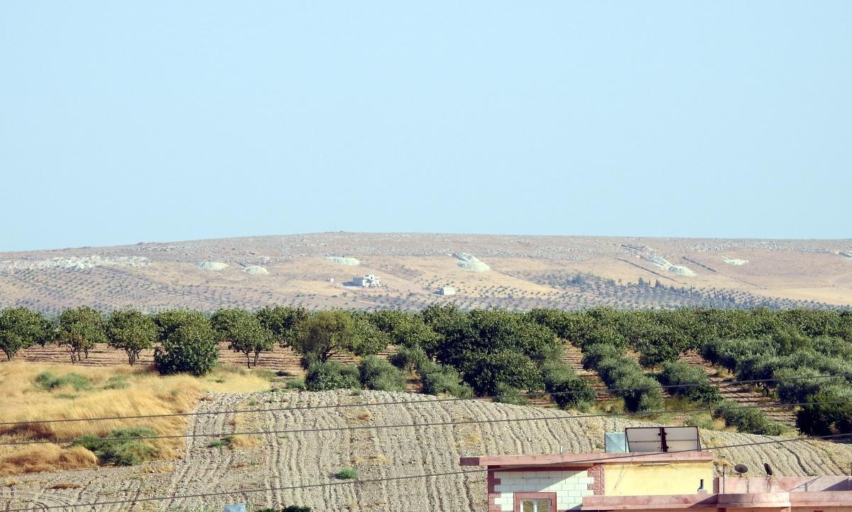 PKK/YPG'li teröristler hendekleri terk ediyor - Resim: 1