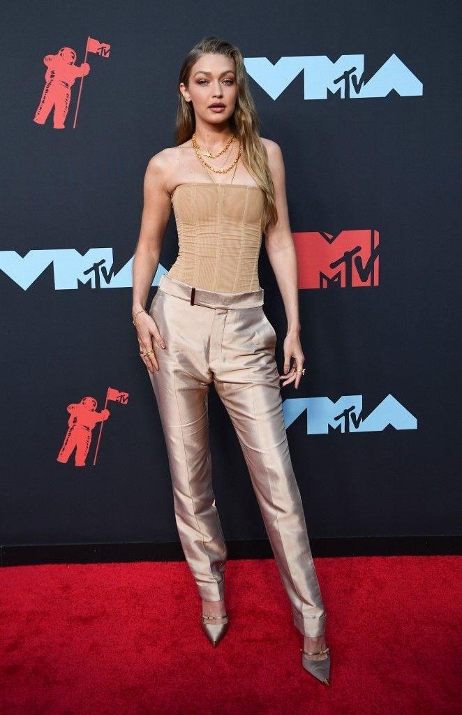2019 MTV Video Müzik Ödülleri'ne şıklıklarıyla damga vuran isimler - Resim: 1