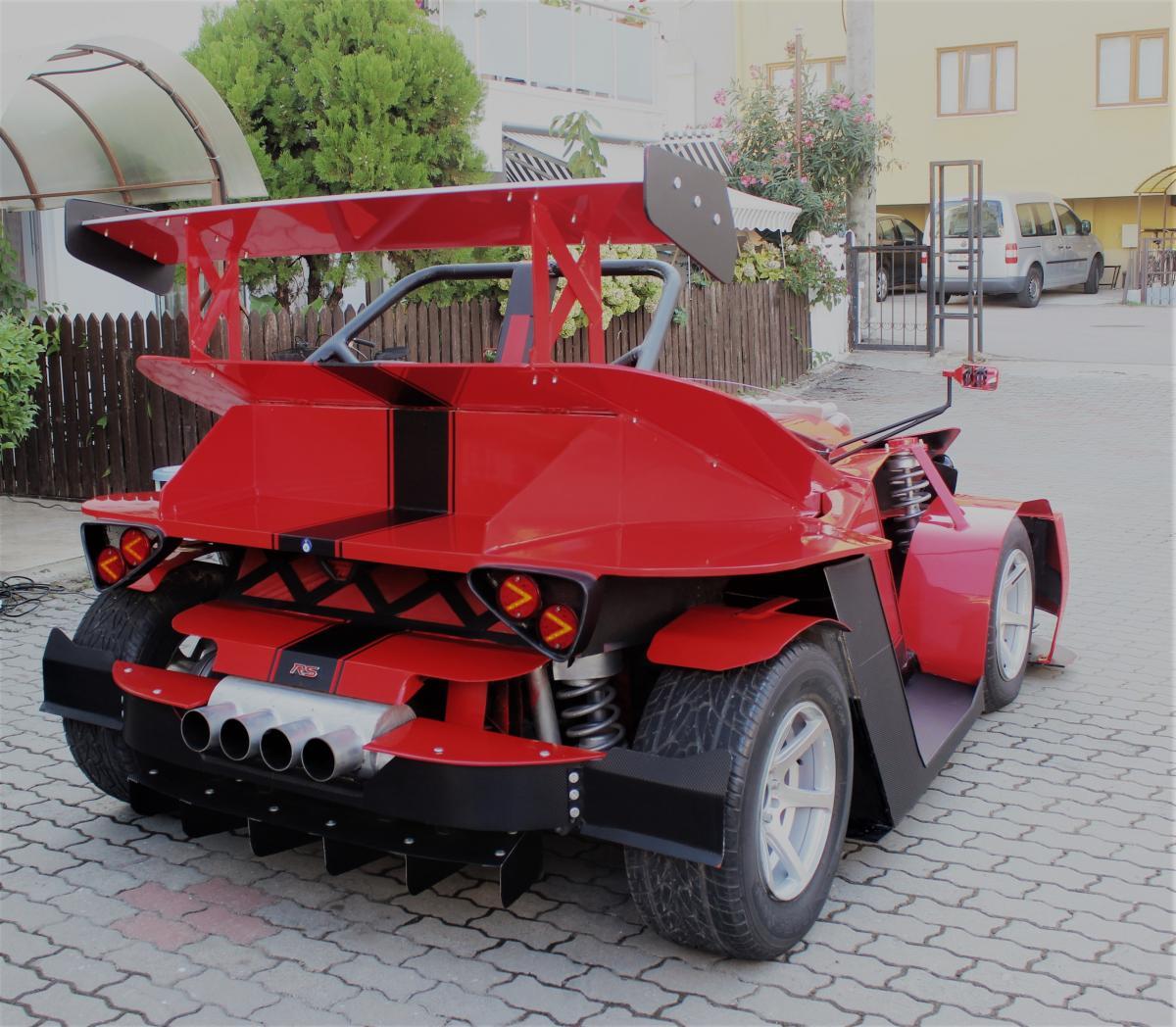 Emekli maaşıyla kendine son model otomobil yaptı - Resim: 1