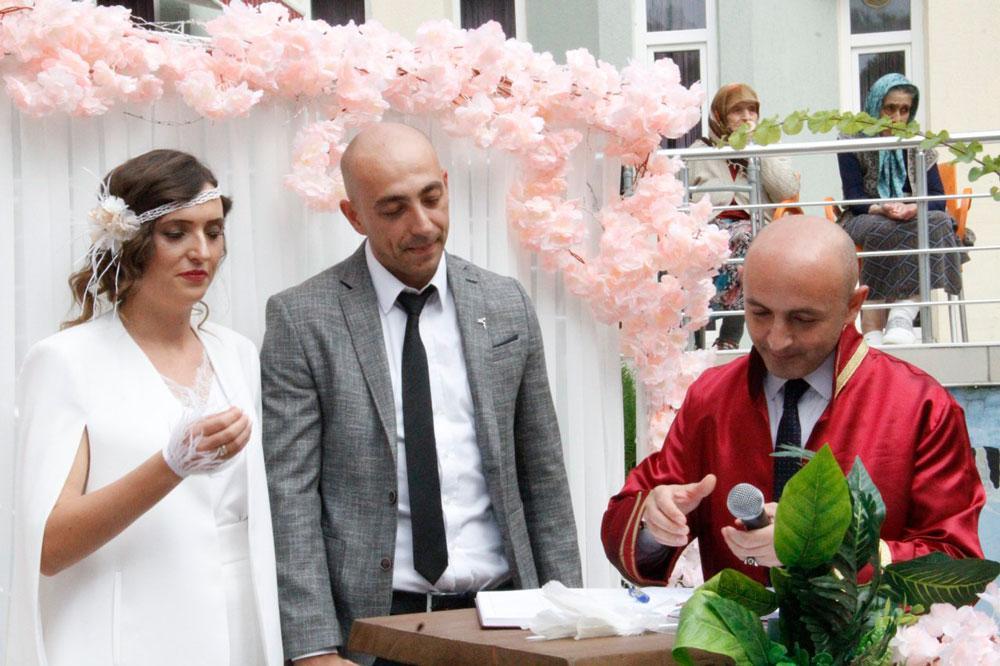 Genç çift huzurevinde evlendi - Resim: 1