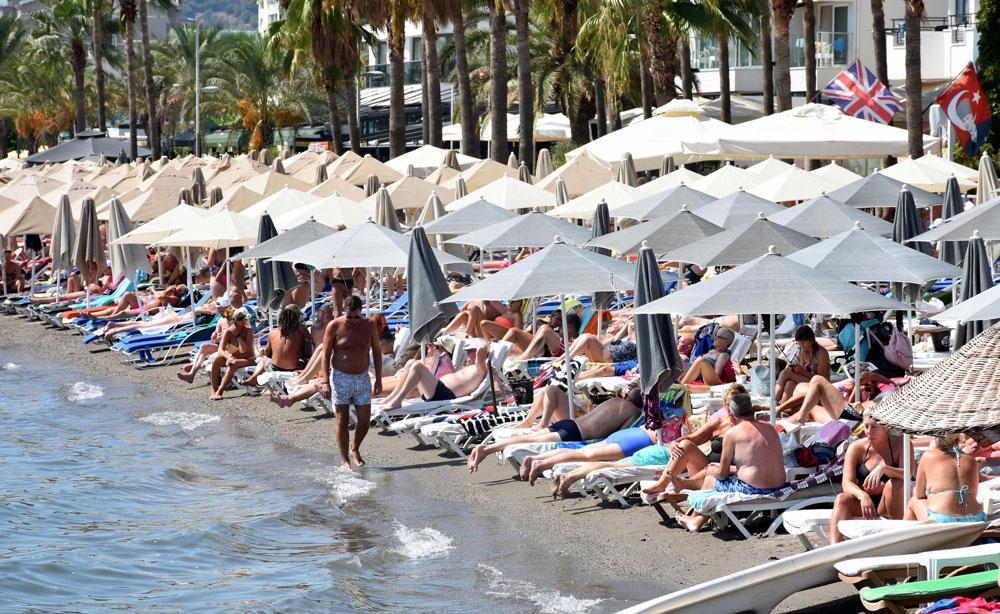 Eylül güneşi, Marmaris plajlarını ısıttı - Resim: 1
