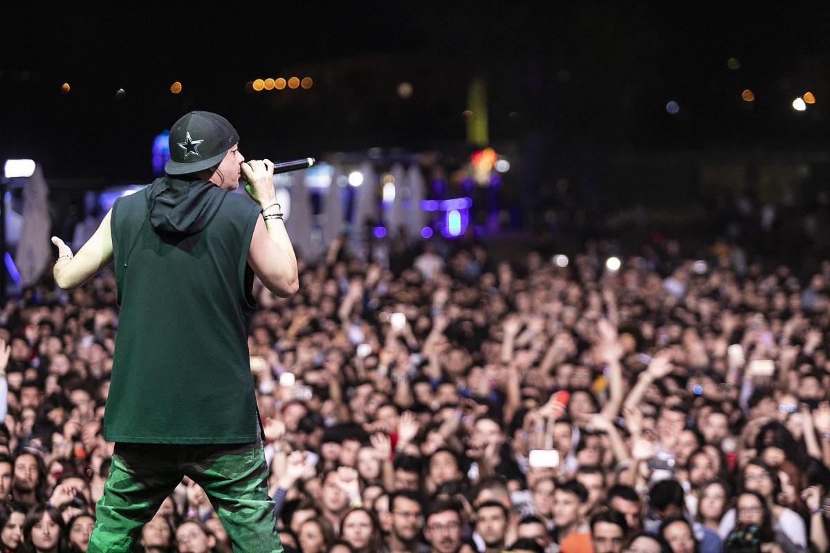 İptal kararı mahkemeden döndü, 20 bin kişi festivalde coştu - Resim: 1