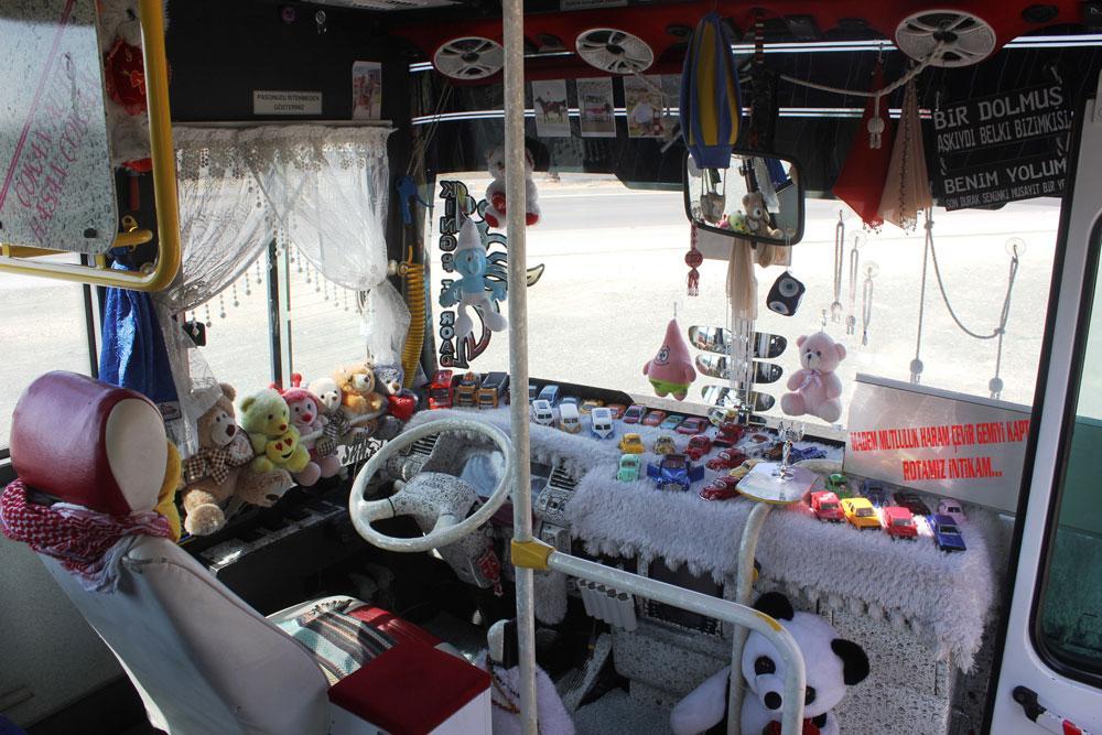 Oyuncaklarla dolu halk otobüsü yolcuları şaşkına çevirdi - Resim: 3