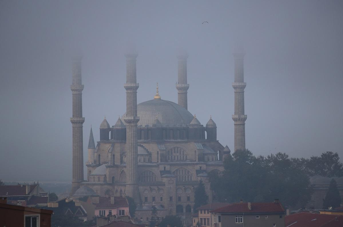 Sis altında bir şaheser: Selimiye Camii - Resim: 1