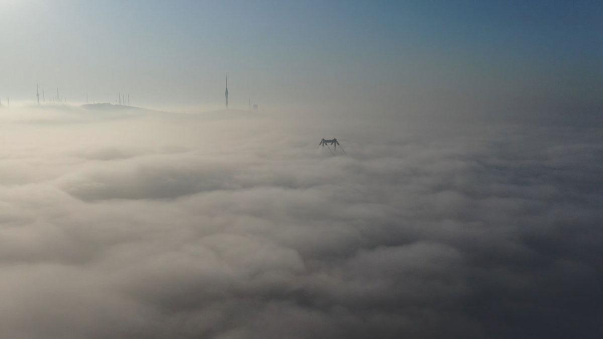 İstanbul Boğazı'nda sis manzarası görenleri mest etti - Resim: 2