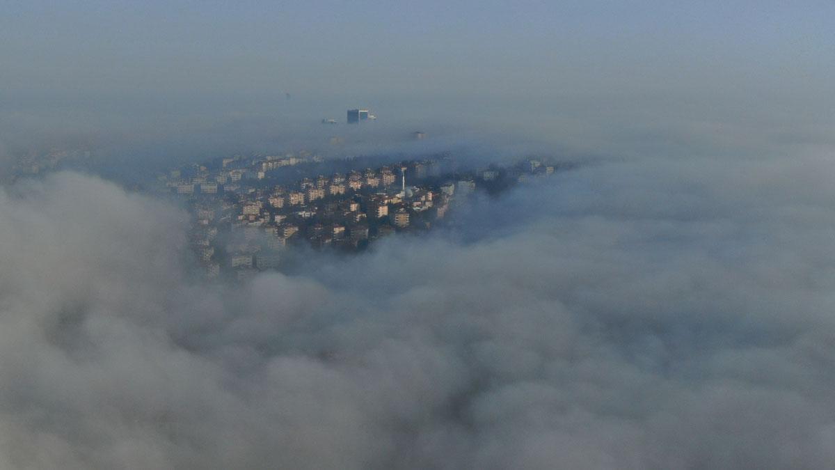 İstanbul Boğazı'nda sis manzarası görenleri mest etti - Resim: 4