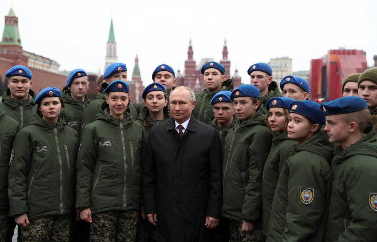 'Sovyet askerleri' Kızıl Meydan'da prova yaptı - Resim: 1