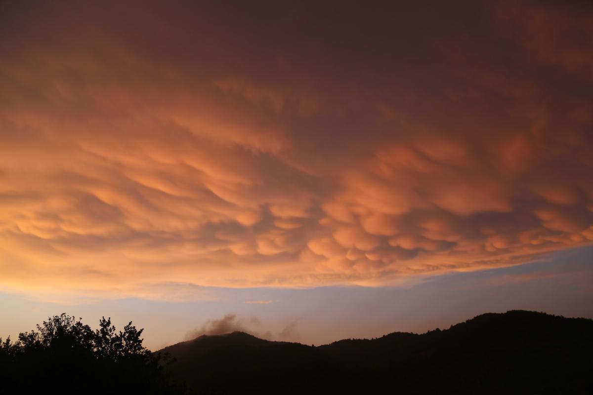 Türkiye'de ender görülen memeli bulutlar Hatay'da görüntülendi - Resim: 2