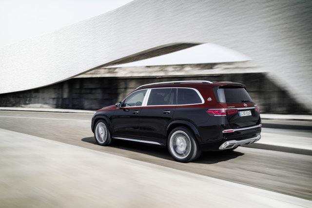 Mercedes Maybach SUV tanıtıldı! - Resim: 1