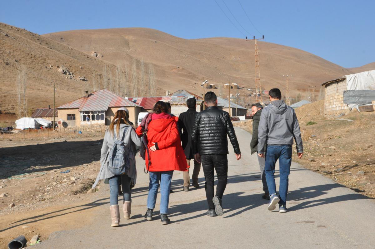 Yüksekova'da öğretmenlerden 15 kilometrelik veli ziyaret - Resim: 2