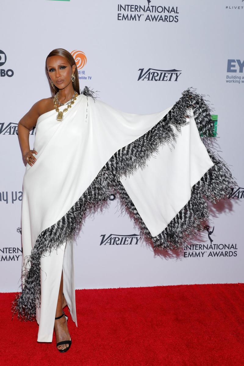 47. Uluslararası Emmy Ödülleri'nde kırmızı halı şıklığı - Resim: 1