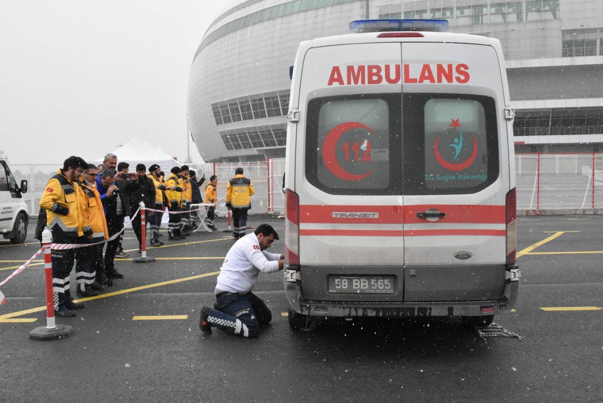 Ambulans şoförleri 'en iyi' olmak için yarıştı - Resim: 1