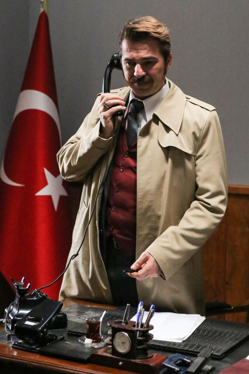 """Engin Altan Düzyatan'la Burçin Terzioğlu'nun başrolleri paylaştığı """"Kurşun"""", final yapıyor - Resim: 1"""