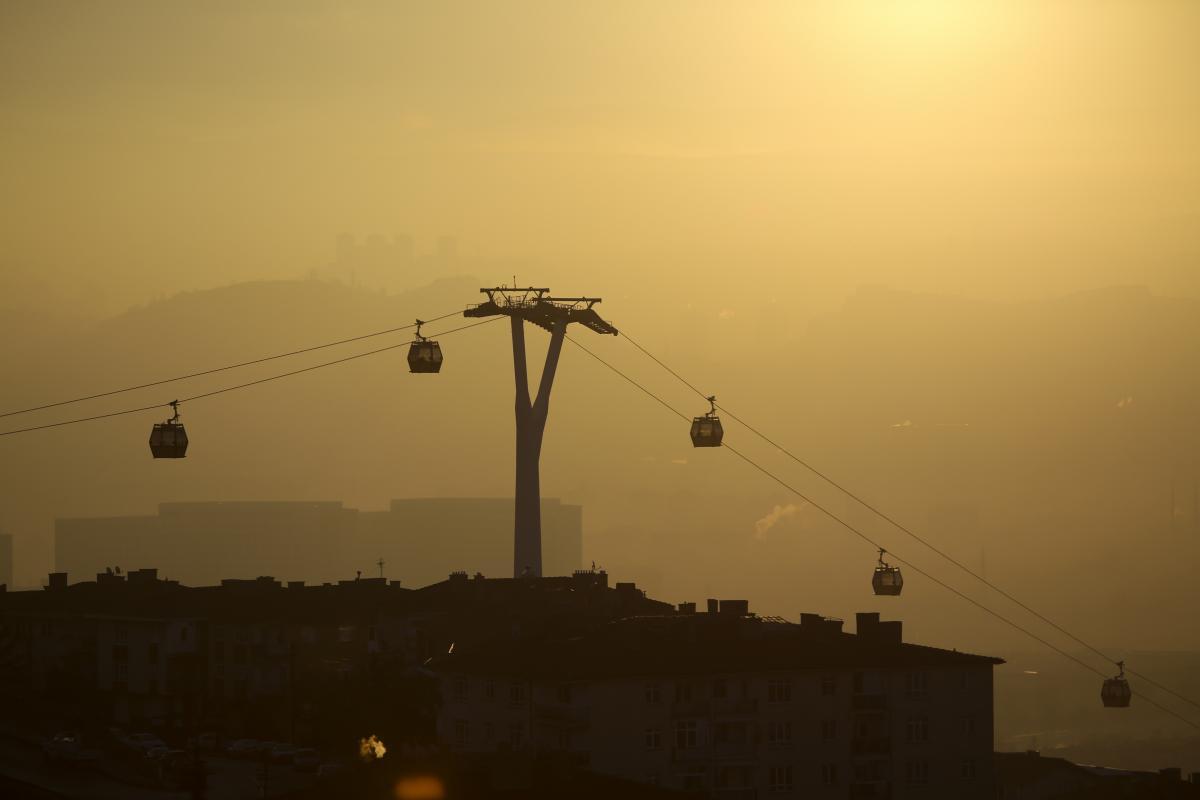 Ankara güne yoğun sisle uyandı - Resim: 2