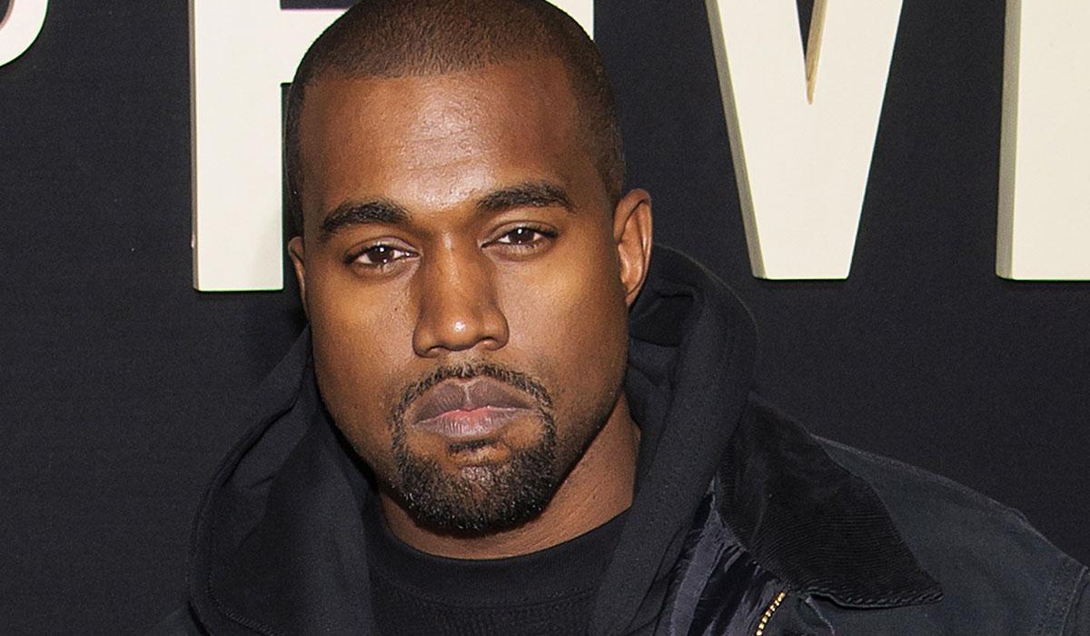 Grammy Ödülü'nün üzerine tuvaletini yaptı