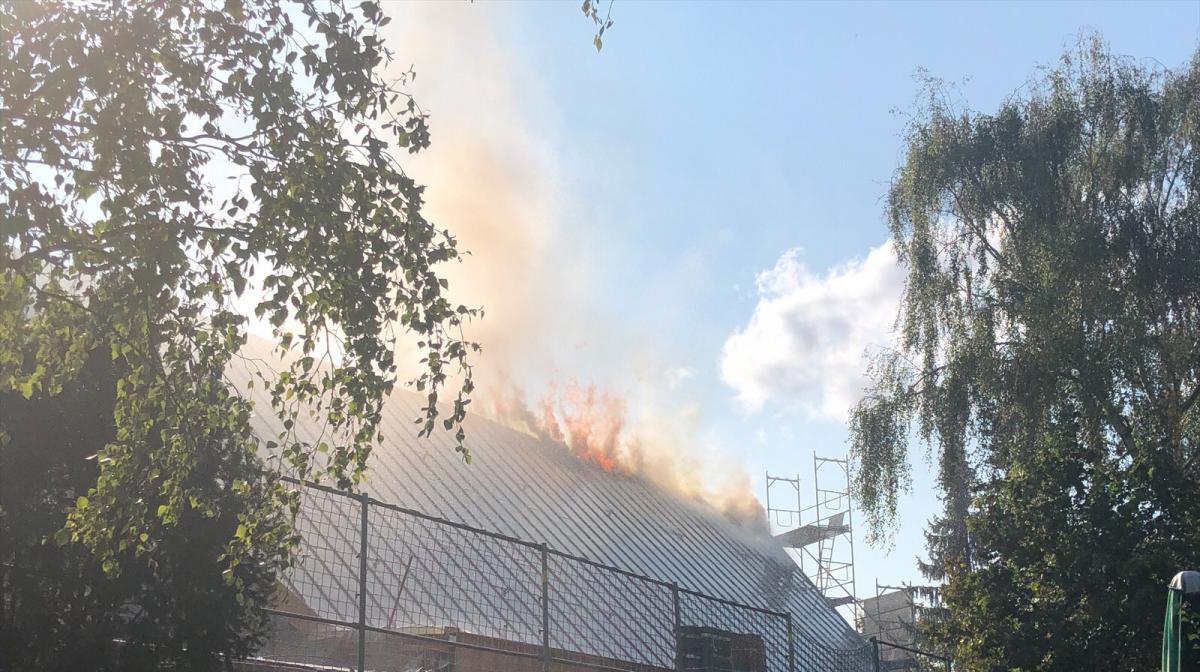 Berlin'de kilisede yangın