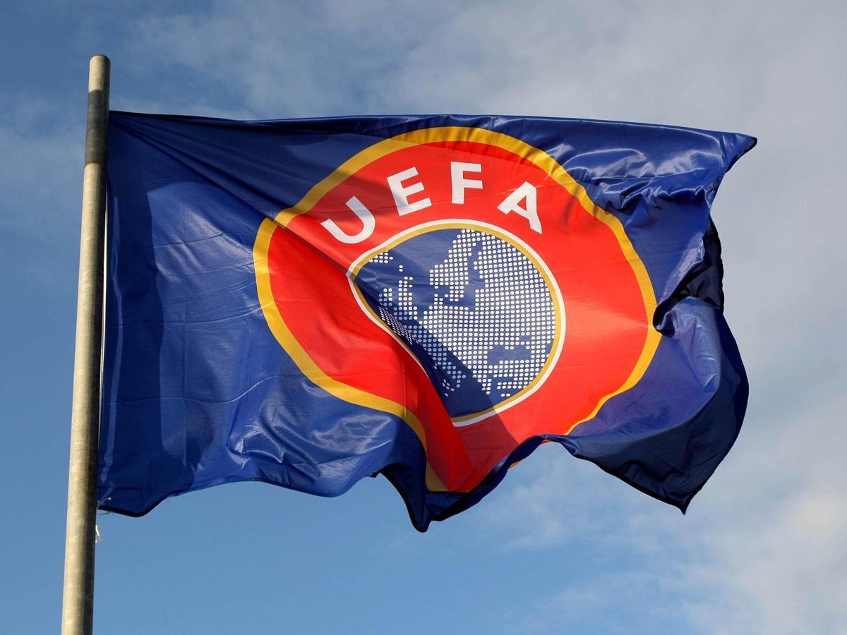 UEFA'dan beş oyuncu değişikliği kararı