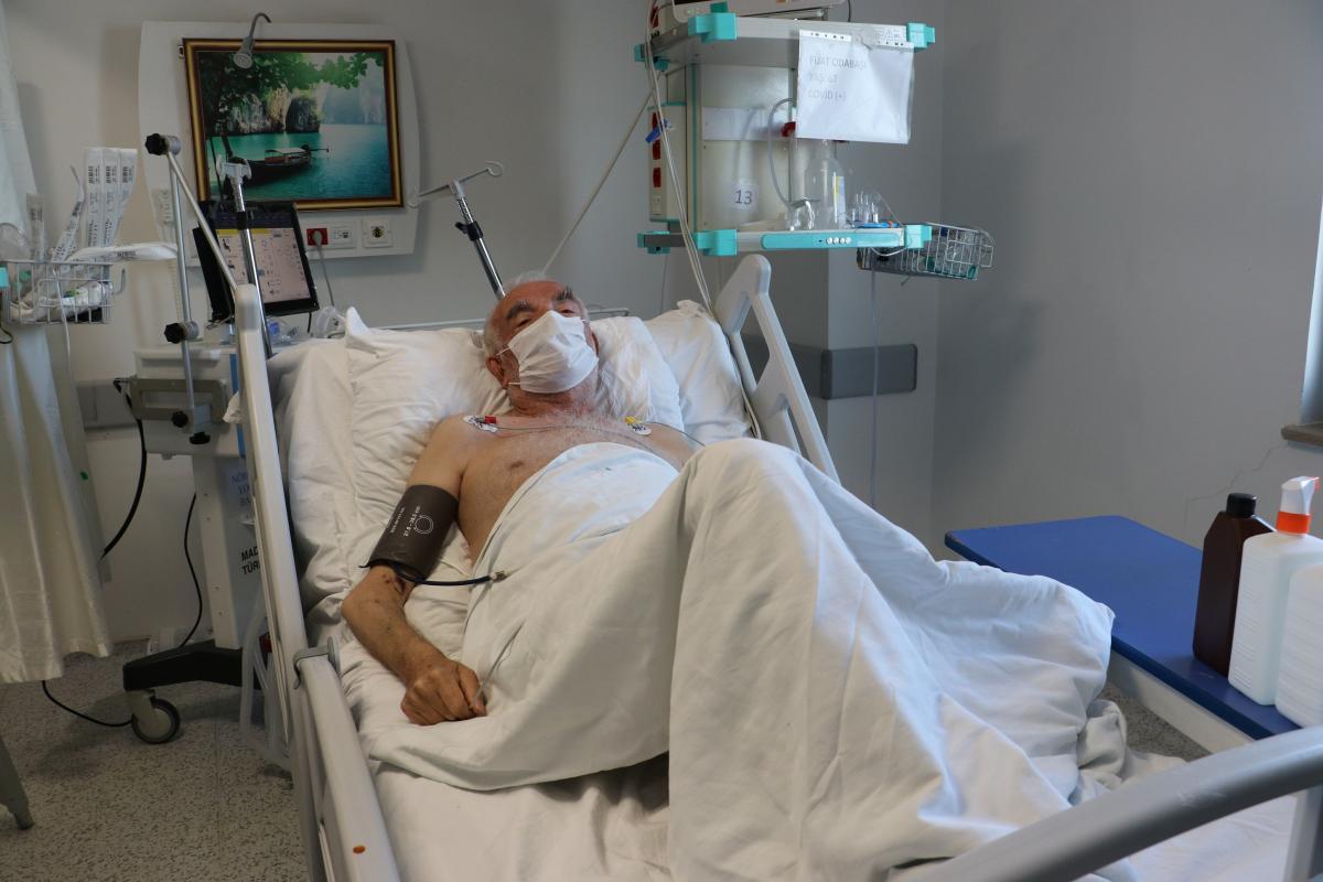 Yoğun bakımdaki koronavirüs hastasından vatandaşlara uyarı