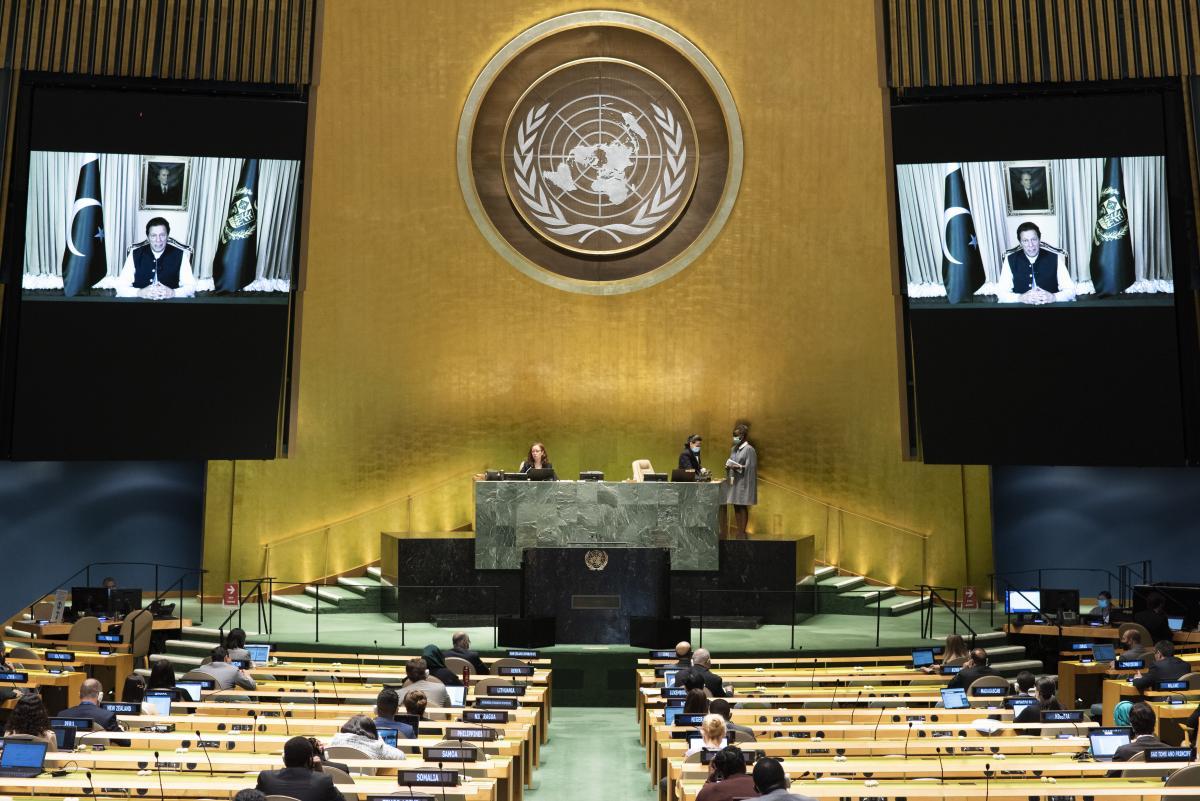 Pakistan Başbakanı konuşurken Hintli diplomat salonu terk etti